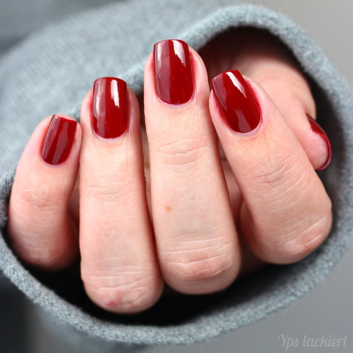 eddingLAQUE_Powerfrauen_Daily Dark Red_03