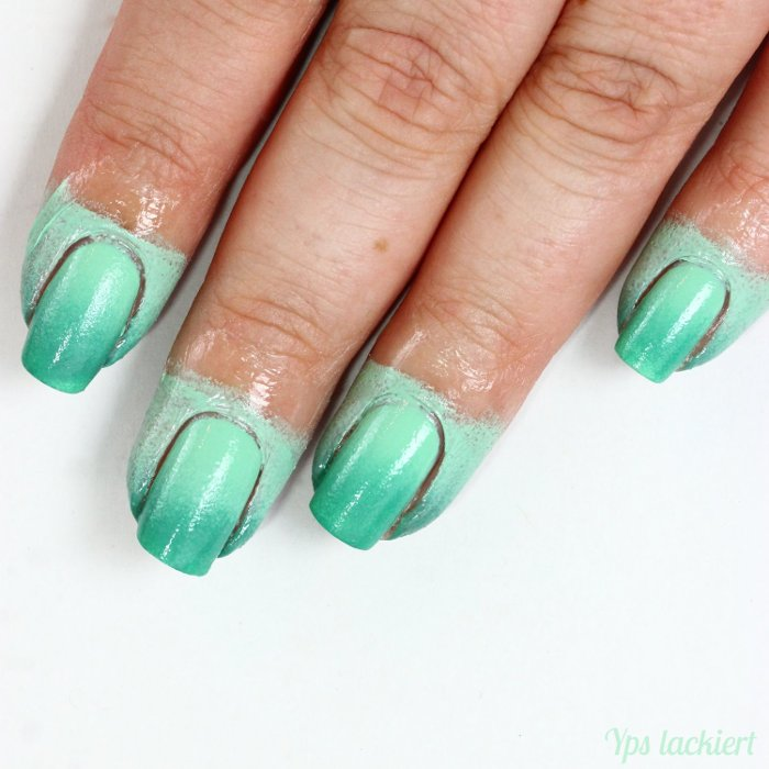 essence_Grüner Gradient_Manicure Helper_02